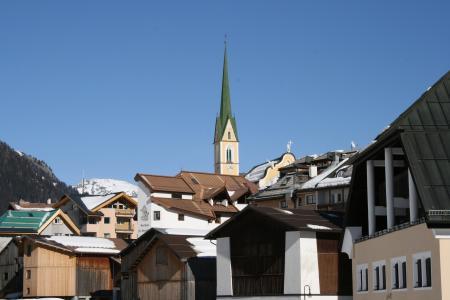 教会在伊施格尔,奥地利滑雪胜地
