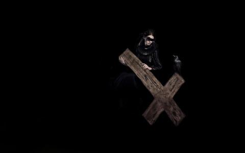与十字架的夫人