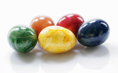 彩绘睾丸为复活节