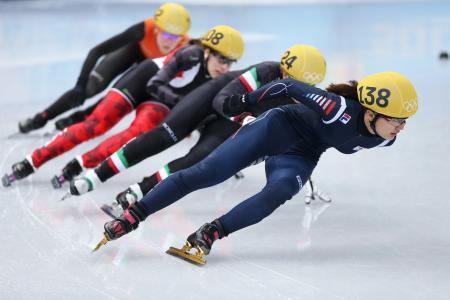 加拿大短命的玛丽安·圣·杰雷赢得了一枚银牌