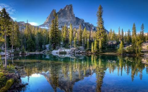 爱达荷州的山间湖