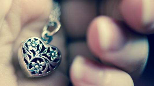 护身符心脏