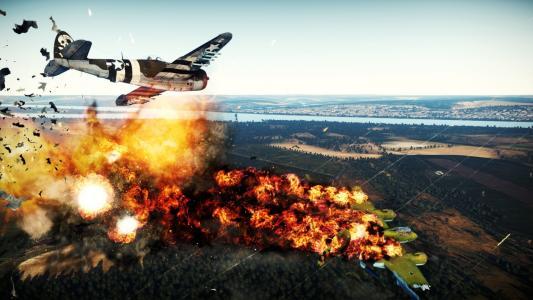 战争雷霆的飞机被击中
