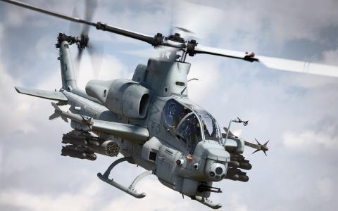 攻击直升机