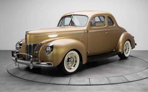 布朗复古车福特V8豪华轿跑1940年