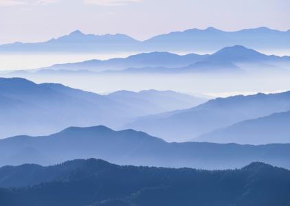 水墨画风山脉摄影风光