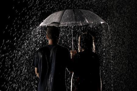 雨,可爱的情侣