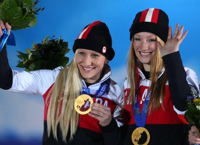 俄罗斯索契奥林匹克雪橇项目希瑟·莫伊斯的金牌得主
