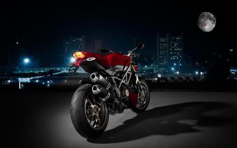 杜卡迪性感的摩托车