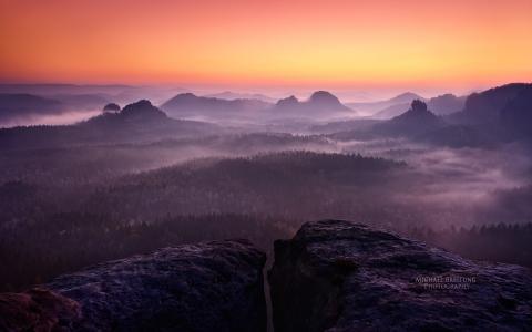 丁香雾在山中