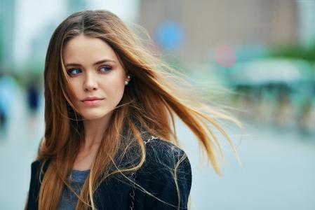 美丽的蓝眼睛的女孩女演员克里斯蒂娜·巴赞