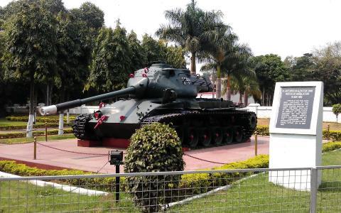 坦克纪念碑