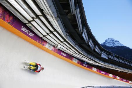 德国雪橇工人Tatyana Hyufner获得银牌