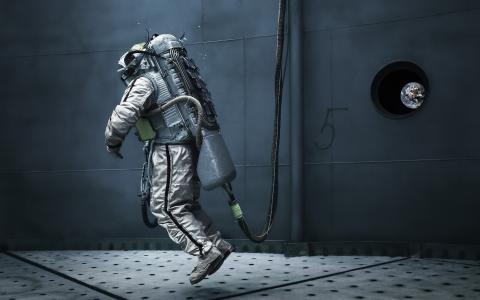 宇航员在太空站机库