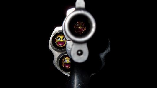 左轮手枪的枪口