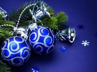 圣诞节球和响铃