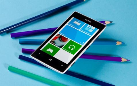 诺基亚Lumia 520和铅笔
