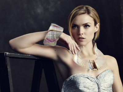 年轻漂亮的女孩女演员艾琳·理查兹