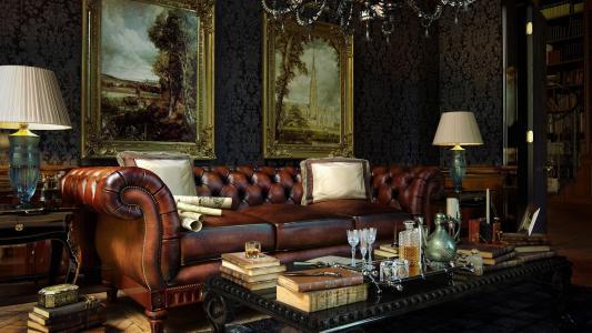 豪华的真皮沙发在一个富有的客厅