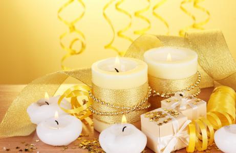 蜡烛和礼物的假期