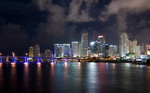 迈阿密闪亮的城市