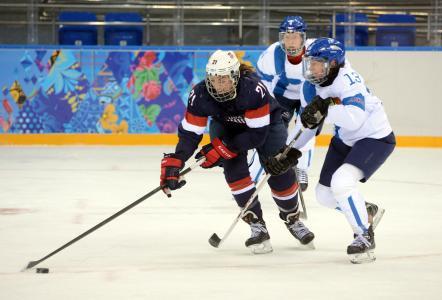索契奥运会的冰球运动员