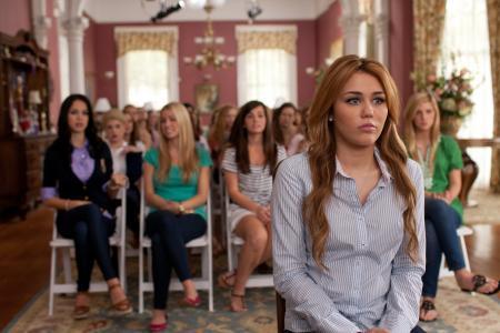 """麦莉·赛勒斯(Miley Cyrus),从电影""""特务""""(Cover Agent)的封面"""