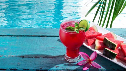 夏天清凉的西瓜汁