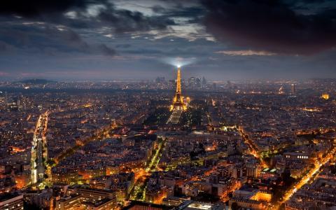 巴黎的中心在晚上