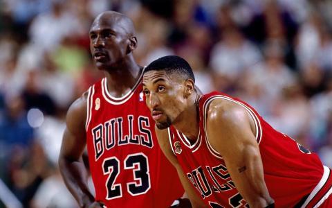 篮球运动员Scottie Pippen,芝加哥公牛队的Michael Jordan,