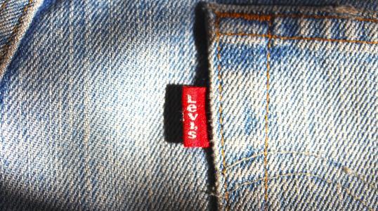 时尚品牌Levi`s