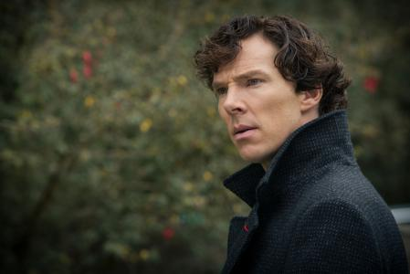 Sherlock沉思的样子