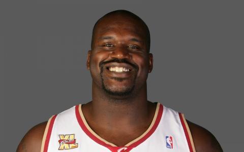篮球运动员沙奎尔·奥尼尔笑了