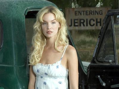 一辆旧车的女演员