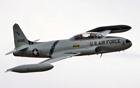 飞机T-33