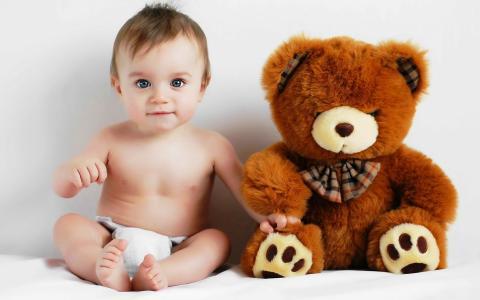 婴儿和玩具