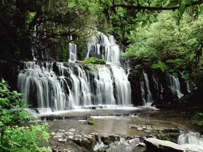 Parakaunui瀑布新西兰