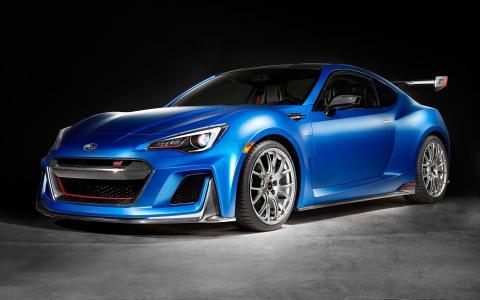 蓝色汽车斯巴鲁STI表现
