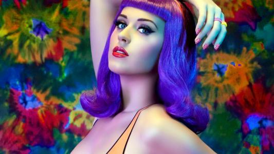 蓝眼睛的歌手凯蒂·佩里
