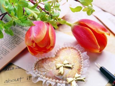 鲜花和情人节的心