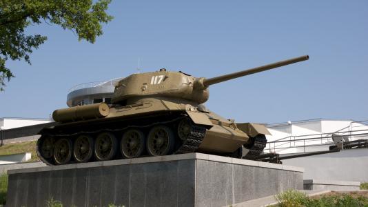 第聂伯罗彼得罗夫斯克的坦克纪念碑