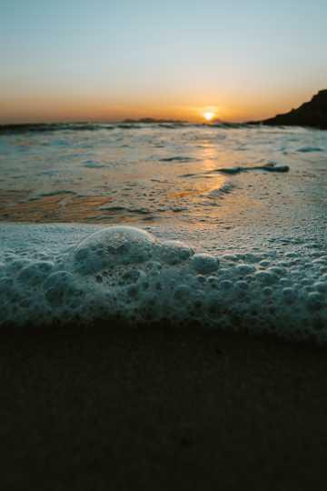 暮色下的沙滩