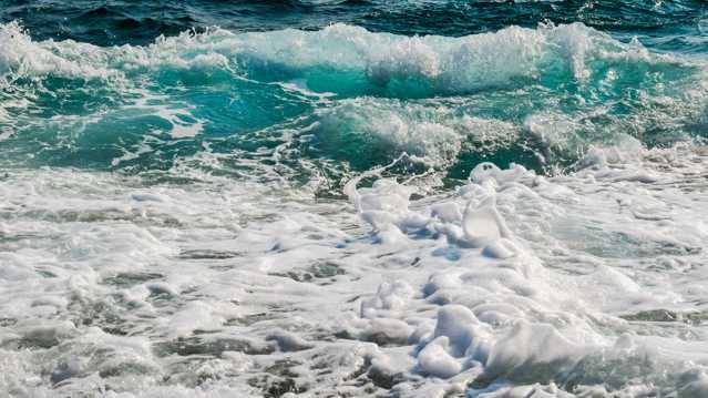湛蓝海洋滔滔海潮