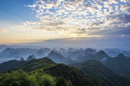 广西桂林尧山景致图片