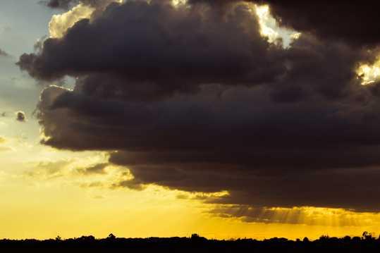 天空的乌云